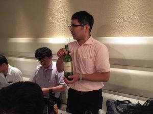 佐藤さんによるワインの説明